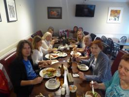 Abendessen im Red Brolly Inn